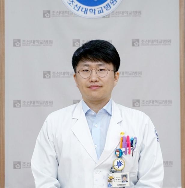 신경외과 전용준 전공의3.JPG