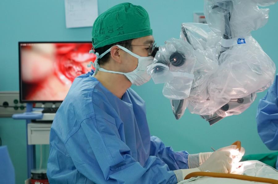 조성일 교수 수술.JPG