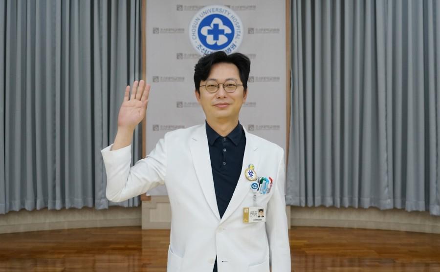 최우수상 신경외과 하상우 교수.JPG