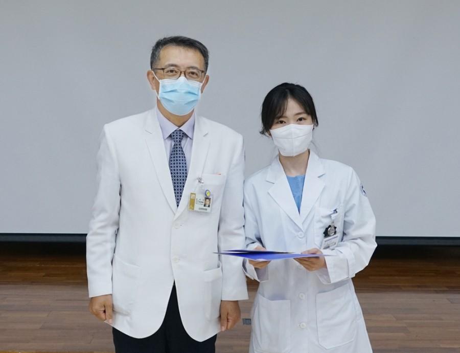 신생아중환자실 남달리 간호사.JPG
