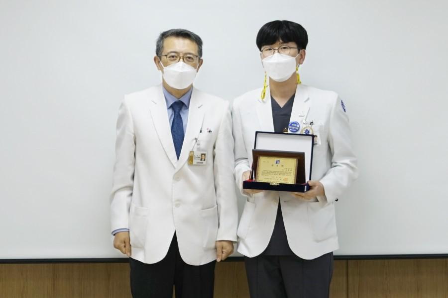 호흡기내과 나용섭 교수.JPG