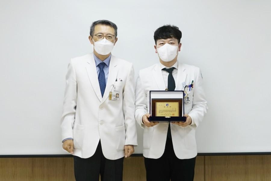 피부과 최훈 교수.JPG