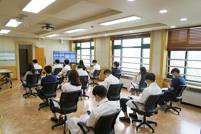 20210630 조선대병원, 모더나 백신 1차 접종 시작1.JPG