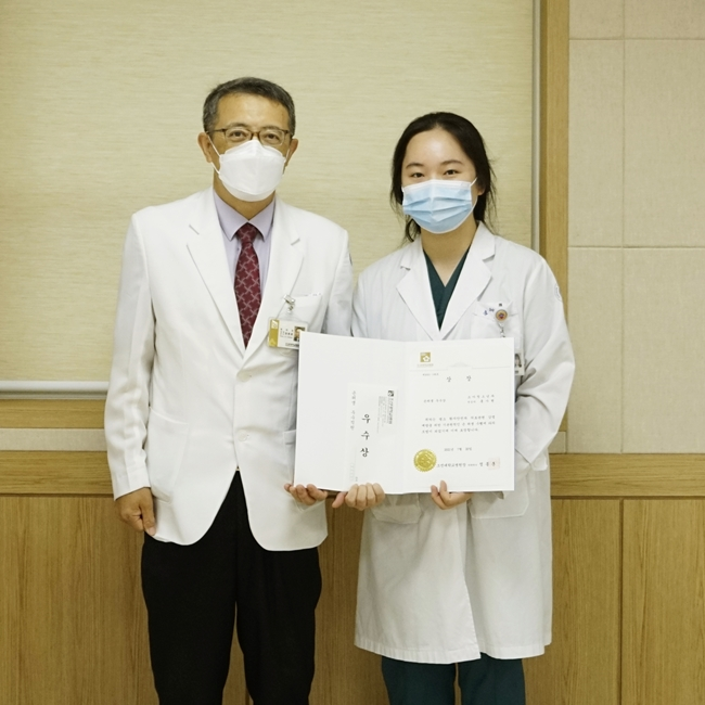 우수상 소아청소년과 홍가현 전공의.JPG